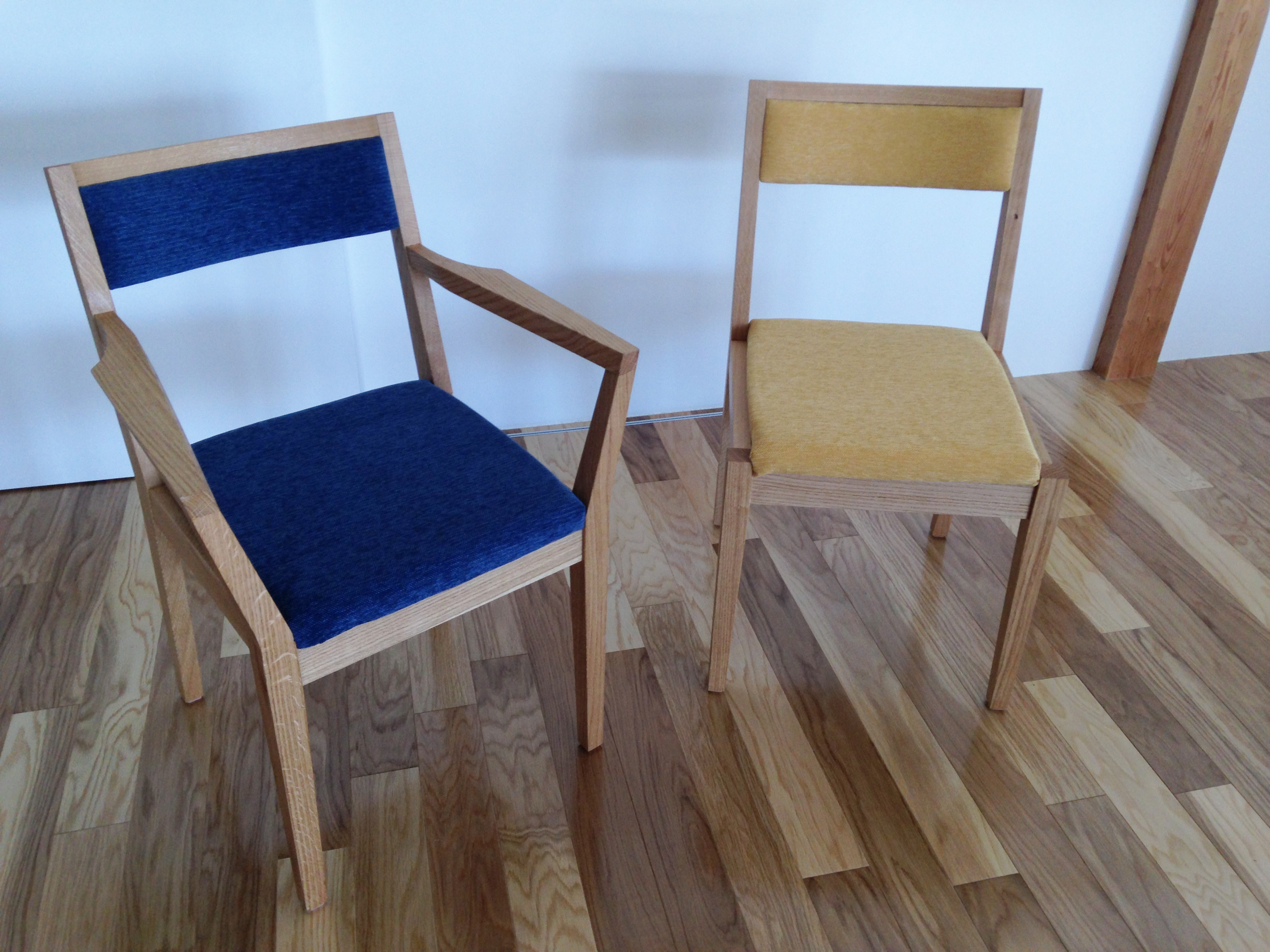 椅子肘掛あり、肘掛なし