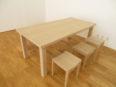 シンプルなテーブル、オーク