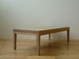 シンプルなローテーブル